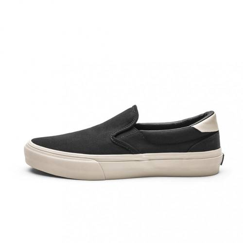Ventura Black/Bone Suede